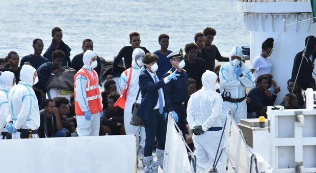 4594120_1532_migranti_patronaggio_scafisti_legami_non_provati